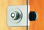 Security cam lock for display cabinet